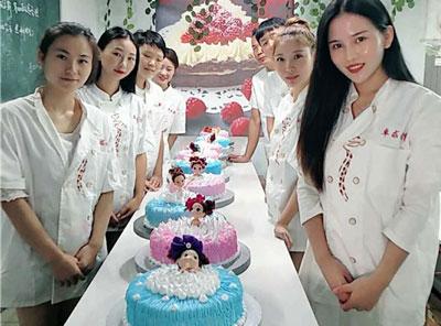 武汉烘焙培训建议还是长期培训的好
